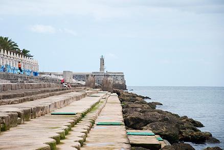 Playa El Solarium en Castro Urdiales