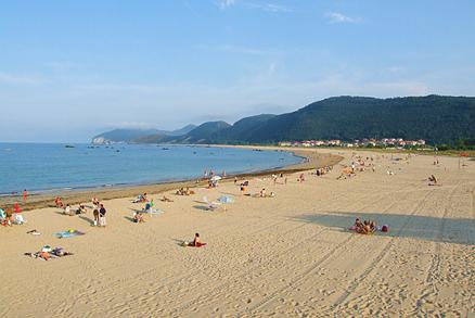 Playa Tregandín en Noja