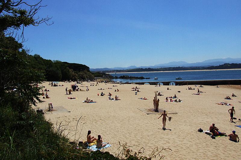 f0ee5b1f0fcc PLAYA LOS BIKINIS | Playas de Cantabria
