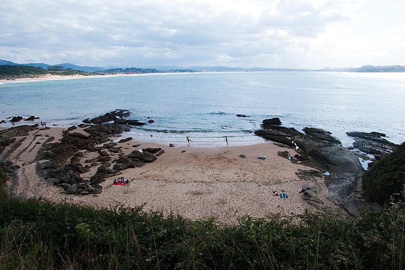 Playa los tranquilos boo playas de cantabria for Piscinas naturales santander