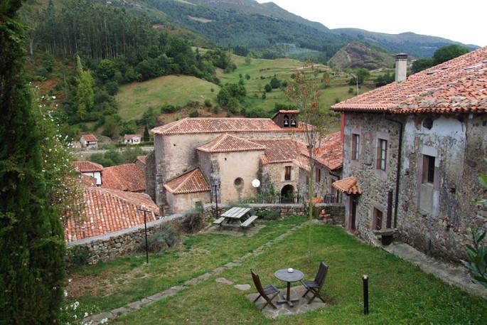 Carmona turismo cantabria for Alojamiento familiar cantabria